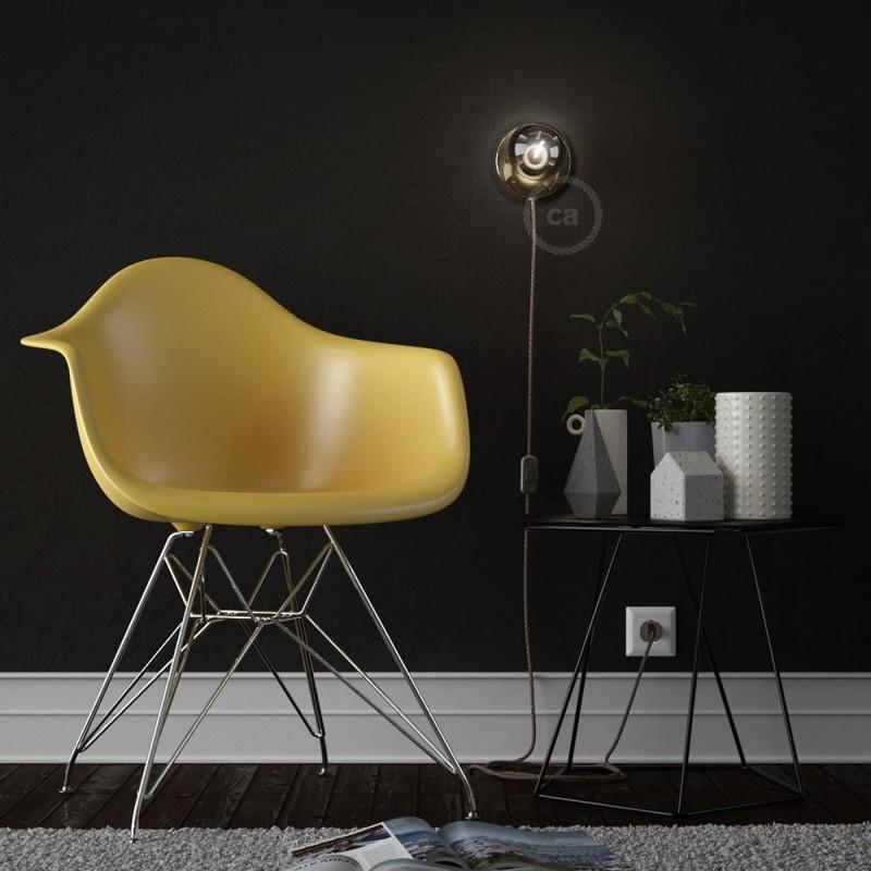 Spostaluce, medeninasta kovinska svetilka s tekstilnim kablom in stranskima izhodoma zanje