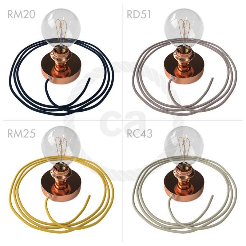 Spostaluce, bakrena kovinska svetilka z grlom E27 z dvema navojnima obročkoma in kablom ter stranskima izhodoma