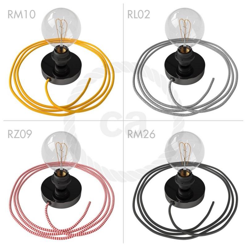 Spostaluce, biserno črna kovinska svetilka z grlom E27 z dvema navojnima obročkoma in kablom ter stranskima izhodoma