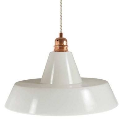 Viseče svetilo s tekstilnim kablom in industrijskim keramičnim senčilom - Izdelano v Italiji